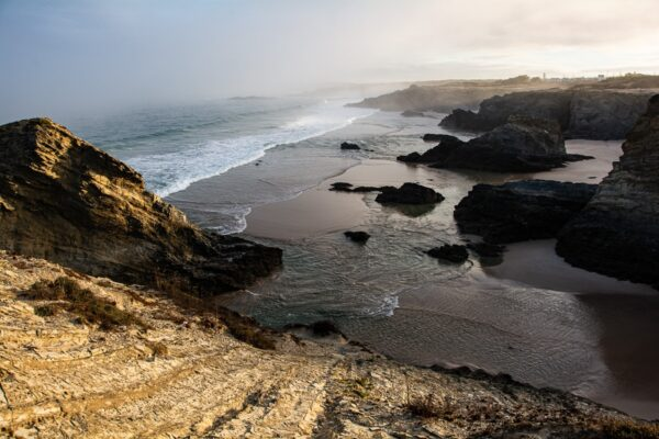 Wilde Atlantikküste - Felsen - Sandstrand - Meeresbrandung - Sines Portugal