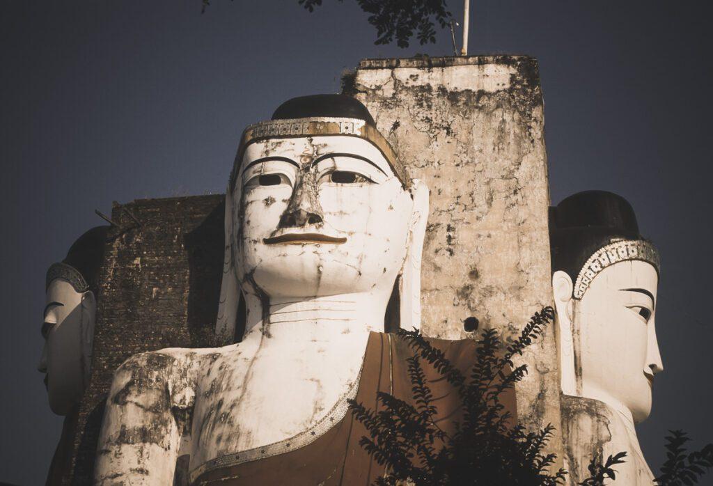 Buddha Statuen in Myanmar, Burma