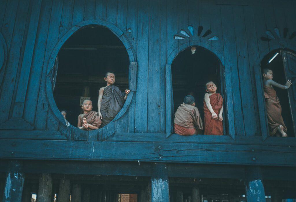 Kleine Mönche - Vintage Fotografie Myanmar Burma