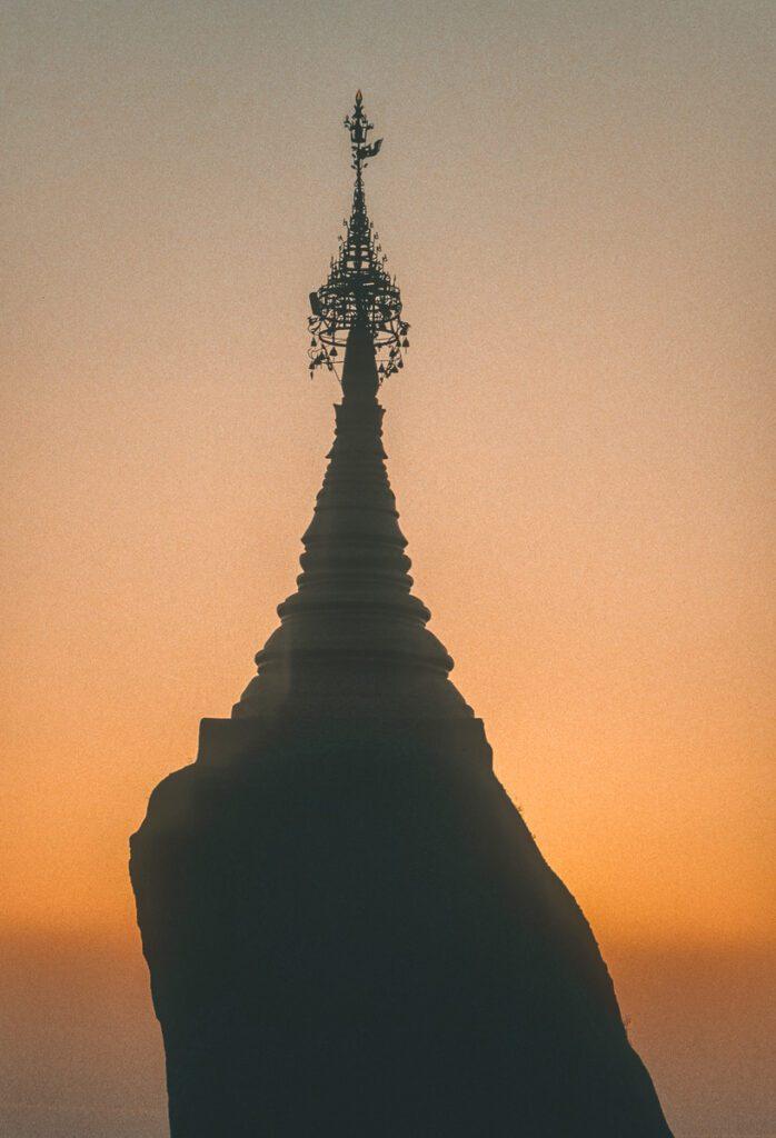Pagode bei Bagan im Sonnenuntergang- Myanmar - Burma - Birma