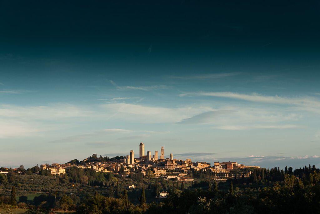 San Gimignano in der Toskana südwestlich von Florenz. Wandbild für das Wohnzimmer oder Schlafzimmer