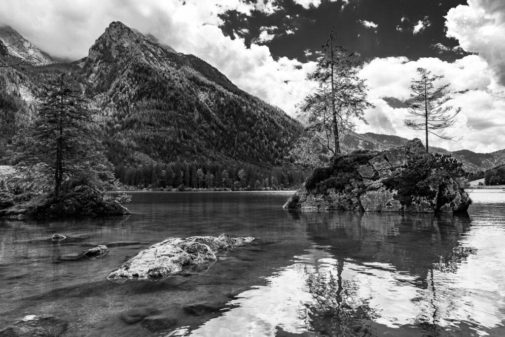 Schwarz-Weiß Landschaftsbild – Hintersee