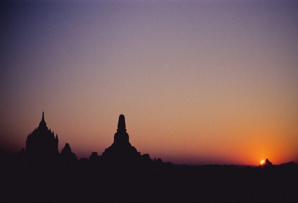 Stupas und Pagoden Bagan Sonnenuntergang - Myanmar - Burma - Birma
