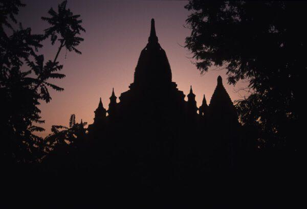 Vintage Bild Tempel Pagode im Gegenlicht - Myanmar - Burma - Birma