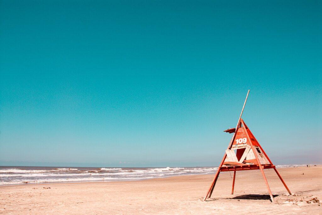 Altes Lifeguard Haus am Strand in Süd Brasilien – Rio Grande do Sul