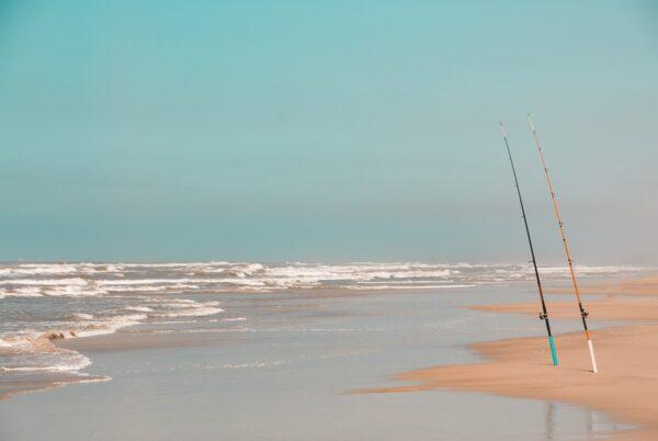 Meeresangeln am Strand in Süd Brasilien – Wandbild